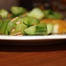 Torstaipäivän kalaonnea: Dijonpaneroidut siikafileet ja japanilainen kurkkusalaatti