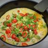 Pikapelastaja: Pähkinämunakas ja tomaattiavokadosalsa