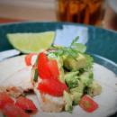 Chipotle-kanatacot, tomaattisalsa ja guacamole