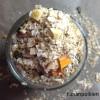 Gluteeniton herkkumysli tattarilla,  mangolla, pähkinöillä ja kookoksella