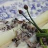 Valkoista parsaa ja korvasienikastike sherryllä