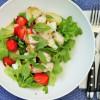 Kana-mansikkasalaatti