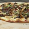 Pohjolan pizza: Suppilovahveroita, poroa ja västerbottenjuustoa