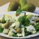 Päärynä-sinihomejuustosalaatti