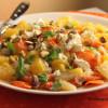 Paahdettua porkkanaa, sitrushedelmiä, fetaa ja pistaapähkinöitä