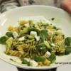 Keväisen vihreää: Avokado-basilikapasta