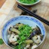 Kiinalaisittain paistettua munakoisoa ja katkarapuja