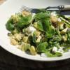 Avokado-pinaattisalaatti couscousilla