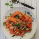 Porkkanoita ja voipapuja parmesaanilla