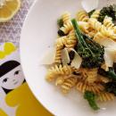 Kermainen sitruuna-broccoliinipasta
