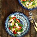 Mansikka-mozzarellasalaatti