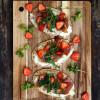 Mansikka-prosciutto pitapizzat