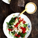 Katkarapu-feta-broccoliinisalaatti