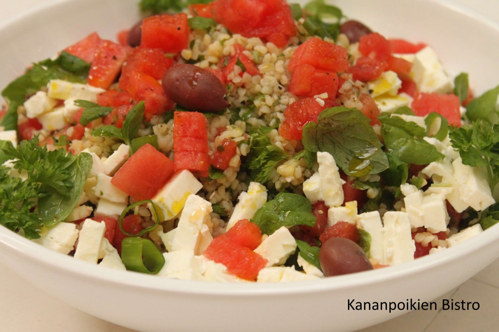 Tabbouleh vesimelonilla, fetalla ja oliiveilla