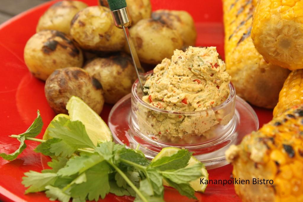 Chili-limevoi ja grillattua maissia & perunoita