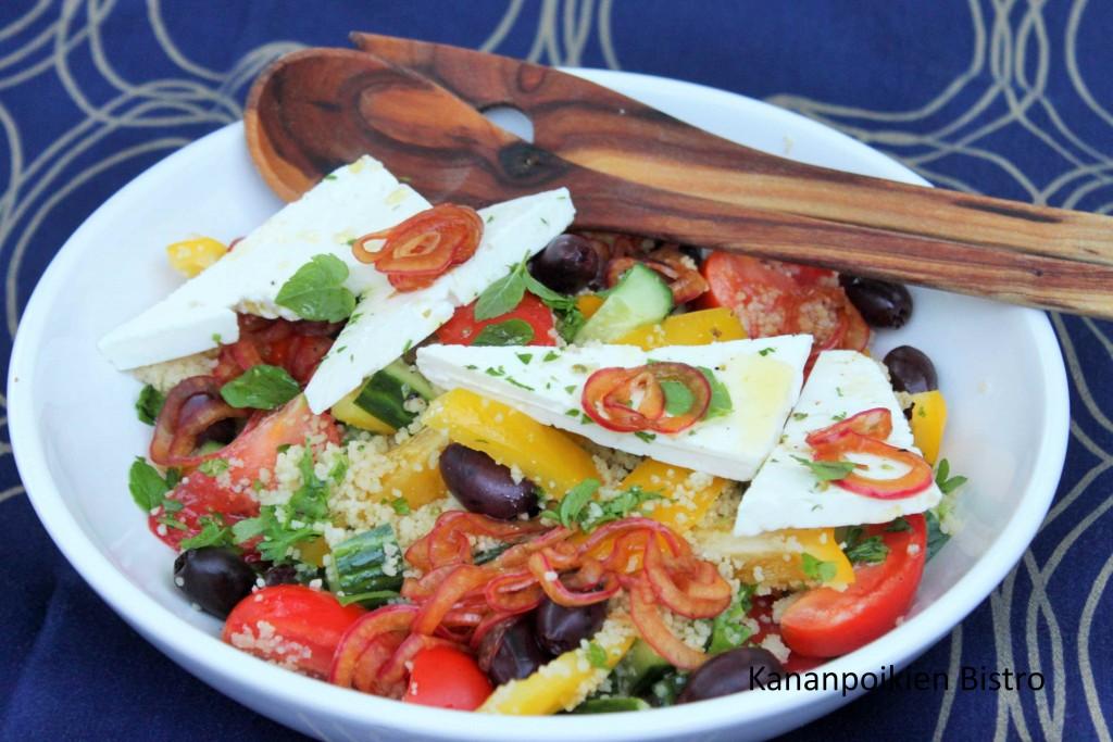 Kreikkalainen salaatti couscous