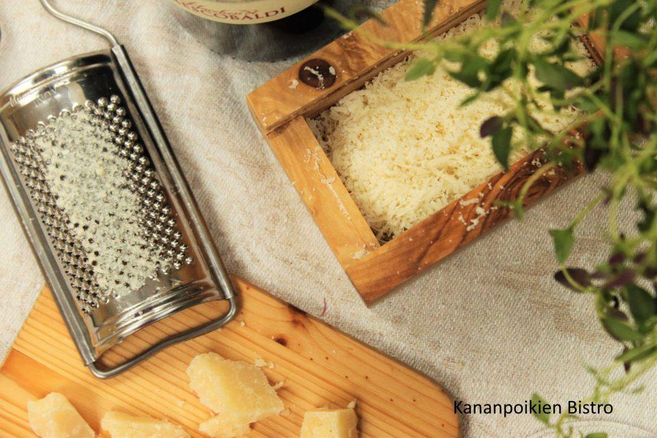 Parmesaani-juustoa