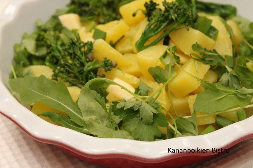 Keväinen perunasalaatti