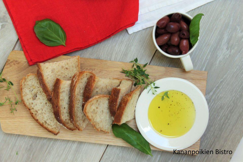 Leipää ja oliiveja