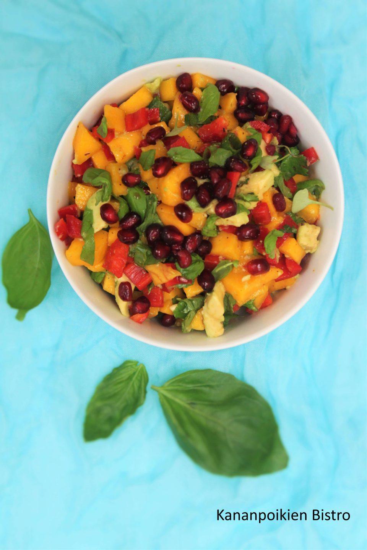 Mango-paprikasalaatti
